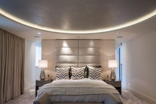 Charmant Modernes Schlafzimmer Abgehändgte Decke Versteckte Leuchten Creme
