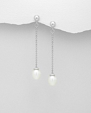 sterling silver dangle earrings decorated with fresh water pearl