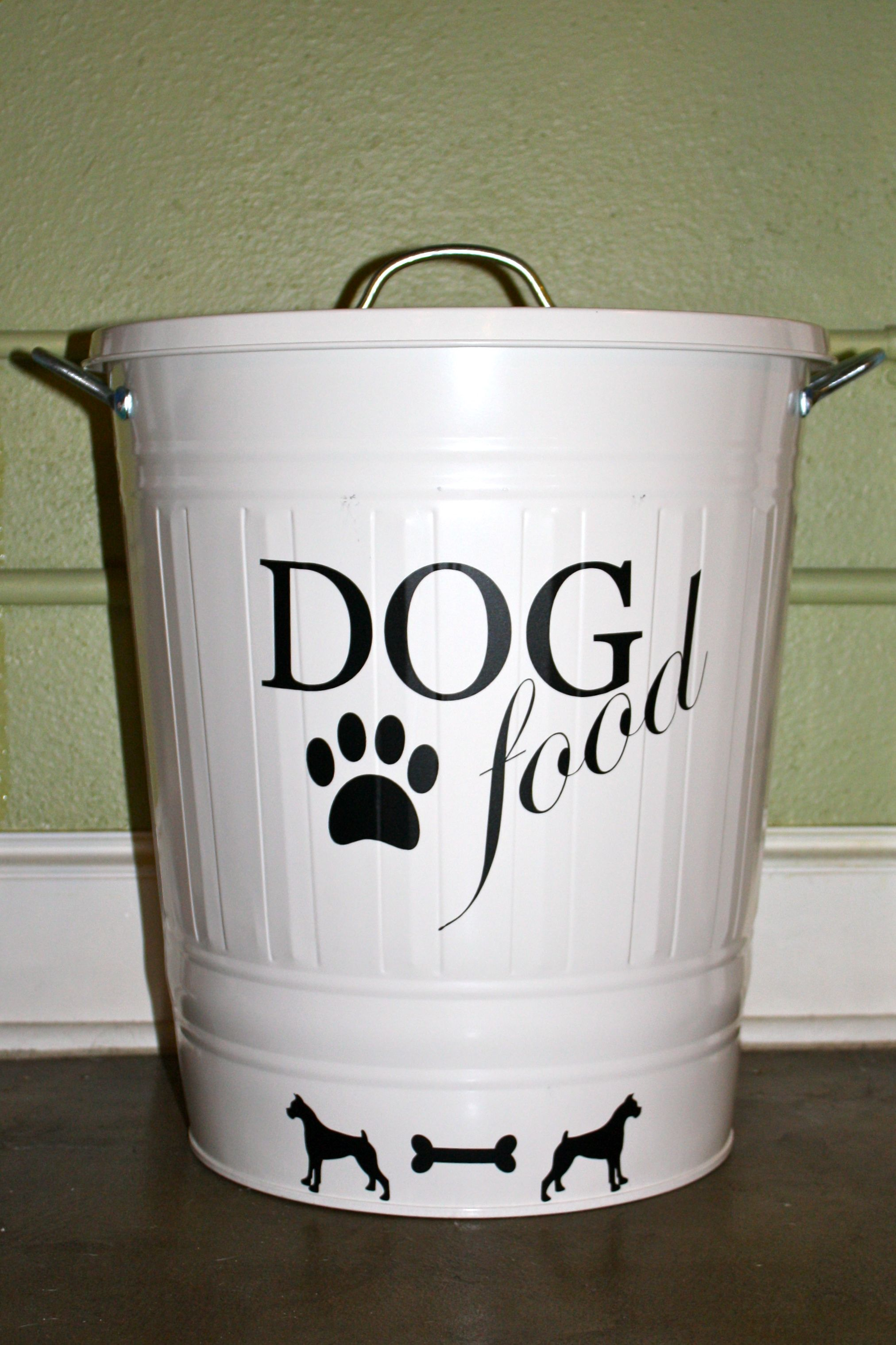Great Idea For Dog Food Storage Container Grab An Old Metal Trash