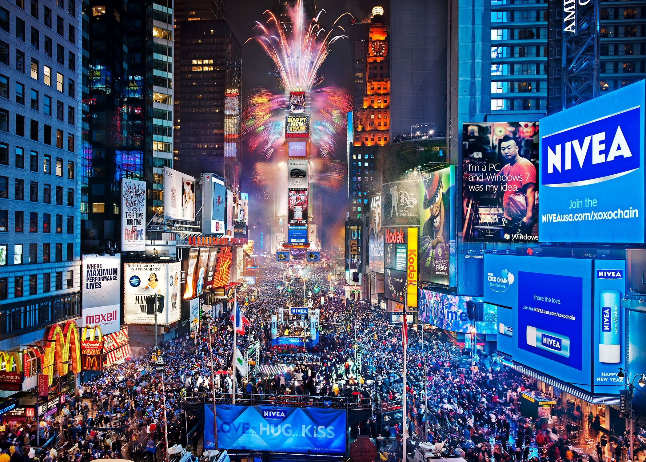 Times Square At Night Hd Wallpaper Background Images New Year Fireworks New Year S Eve Times Square New Years Eve