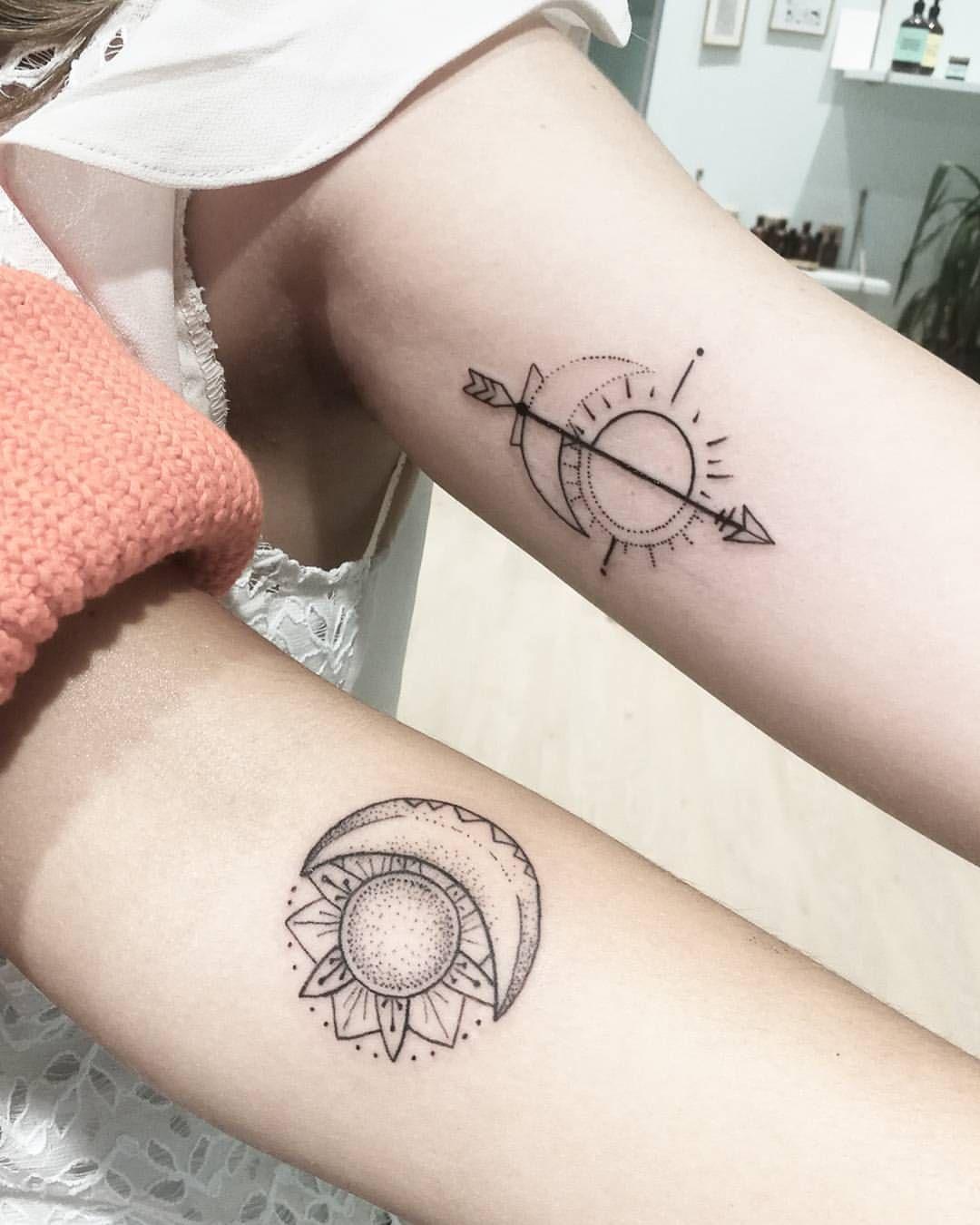 Lune Et Soleil Minimaliste Dotwork Tatouage Tatouage Tatouage