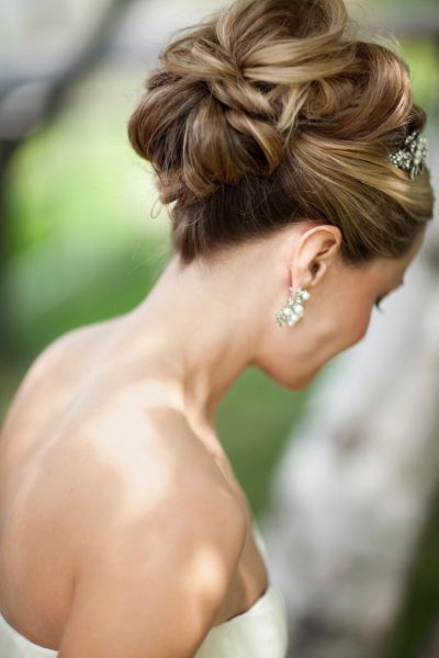 Recogidos altos para novias 2015 la elegancia de un clásico Image