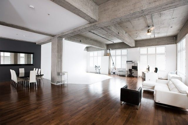 Large Open Studio Apartment Dig The Exposed Ceilings And Pillar Use Of Mixed Materials So Clean
