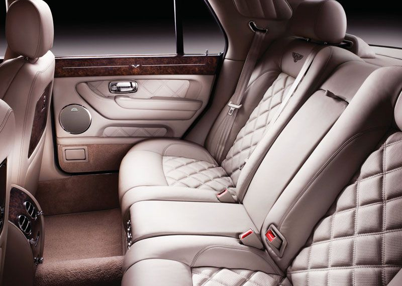 Want To Hire A Bentley Arnage For A Special Occasion In Uk Call Cabot Prestige Today To Find A Car Of Your Choi Bentley Arnage Bentley Car Luxury Car Hire