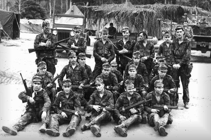 2º Grupo de Combate (2nd Combat Group) of CCAÇ 2739, part of Batalhão de Caçadores 2919 (Battalion of Hunters 2919) of the Portuguese Army, 1972.