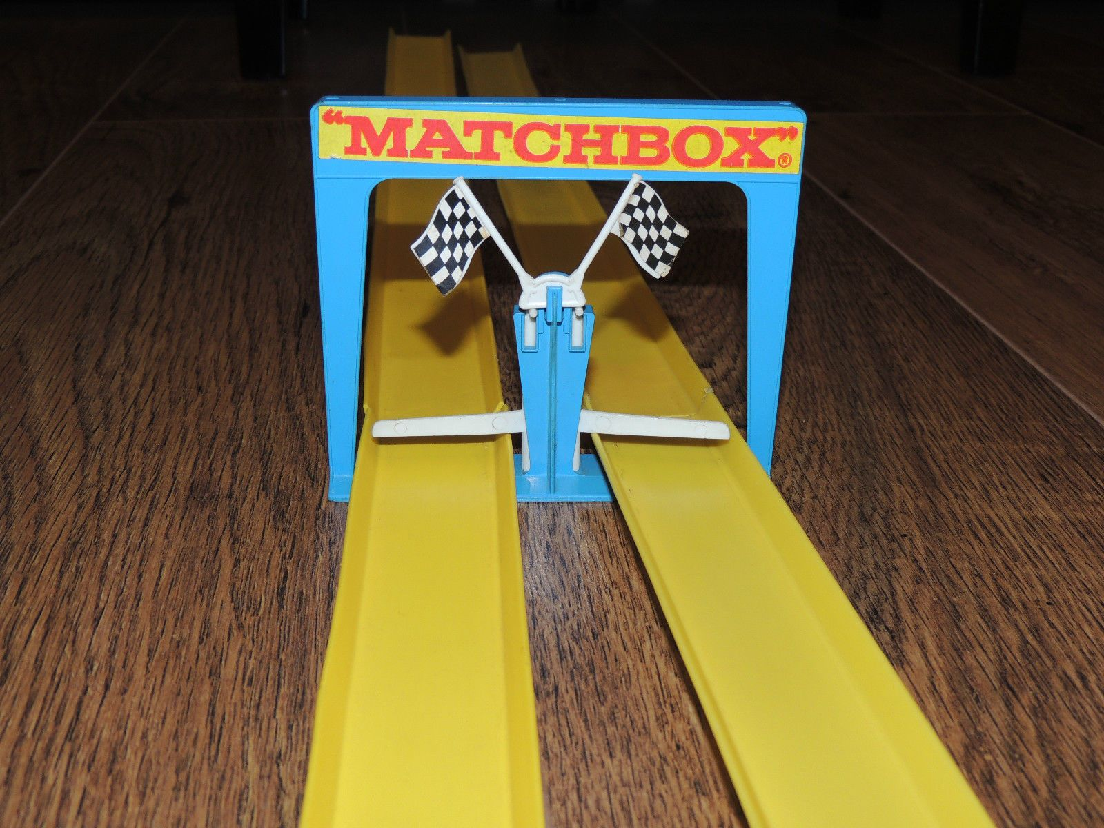 Finishing Line Of Matchbox Superfast Twin Loops Race Track Set Matchbox Childhood Memories Childhood Days