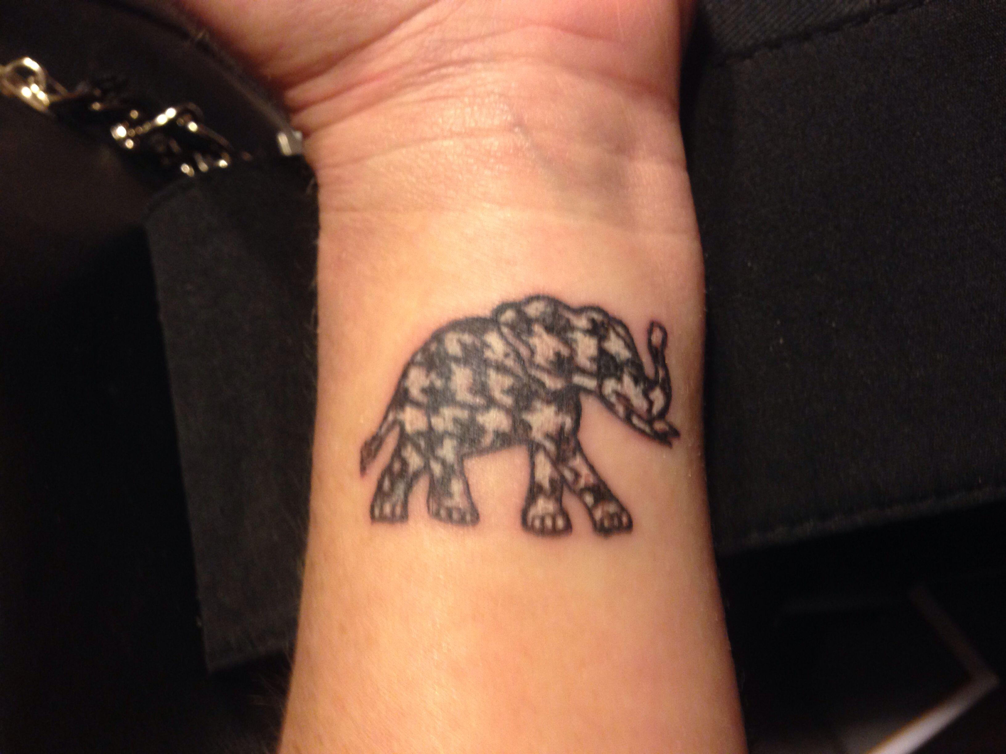 my houndstooth elephant tattoo roll tide tattoos i like pinterest elephant tattoos. Black Bedroom Furniture Sets. Home Design Ideas