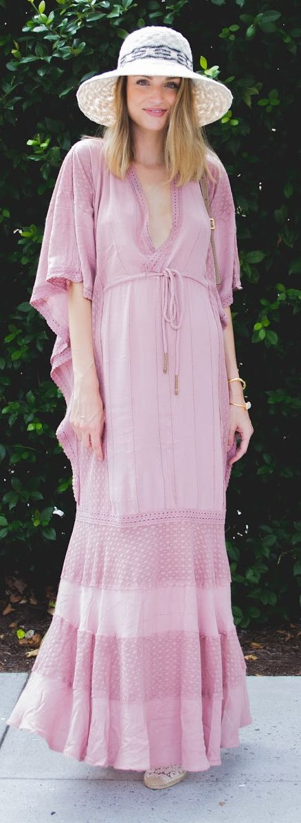 Little Blonde Book Dusty Pink Maternity Style Kaftan