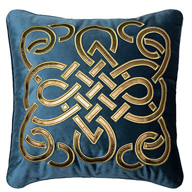 embroidered velvet cushion | traditioneel / classic / country / retro verfraaid&geborduurd ...