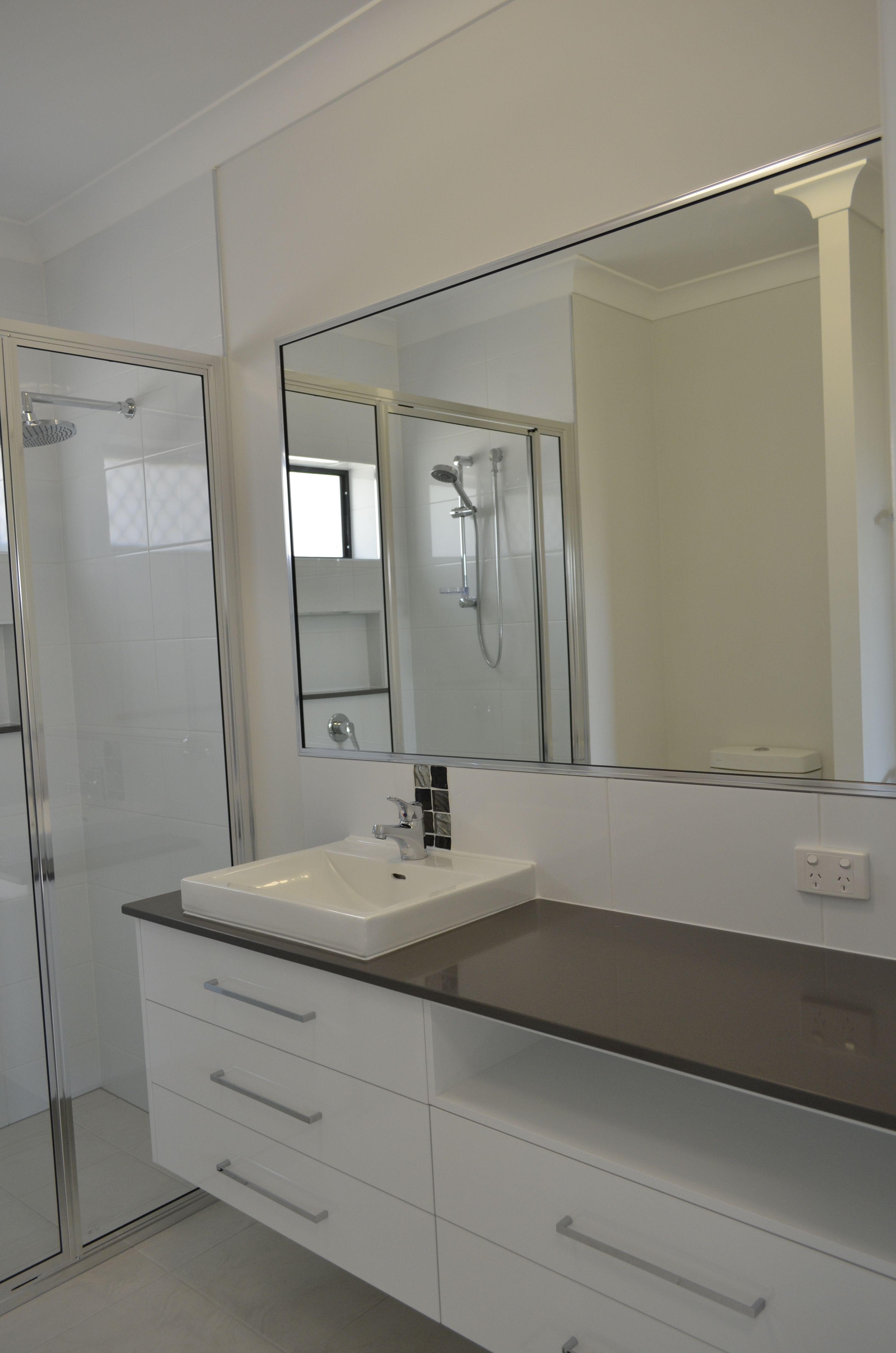 Bathroom Ensuite Vanity With Wide Horizontal Storage Drawers