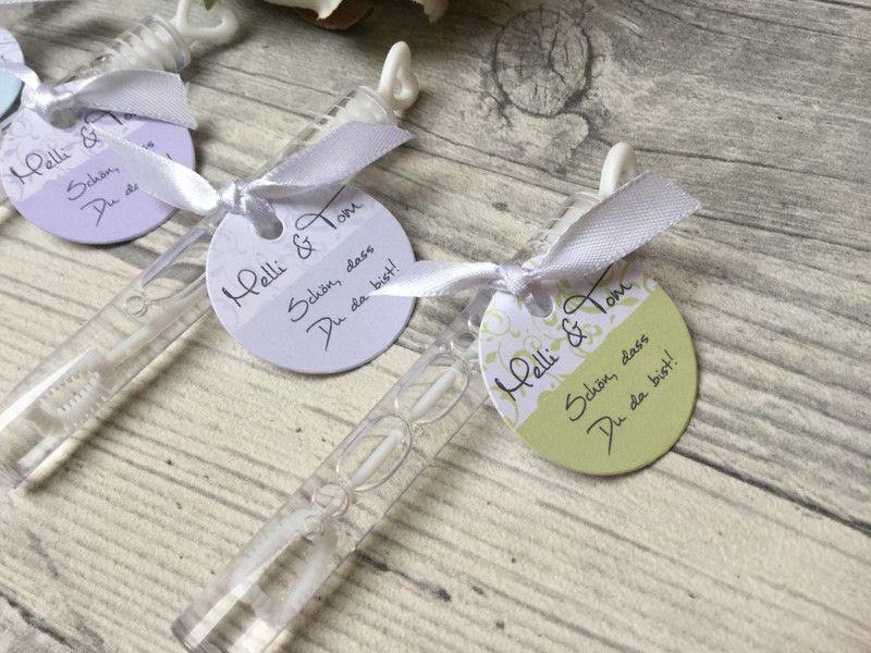 Gastgeschenke Tischkartchen Hochzeits Seifenblasen Von Kunst Text