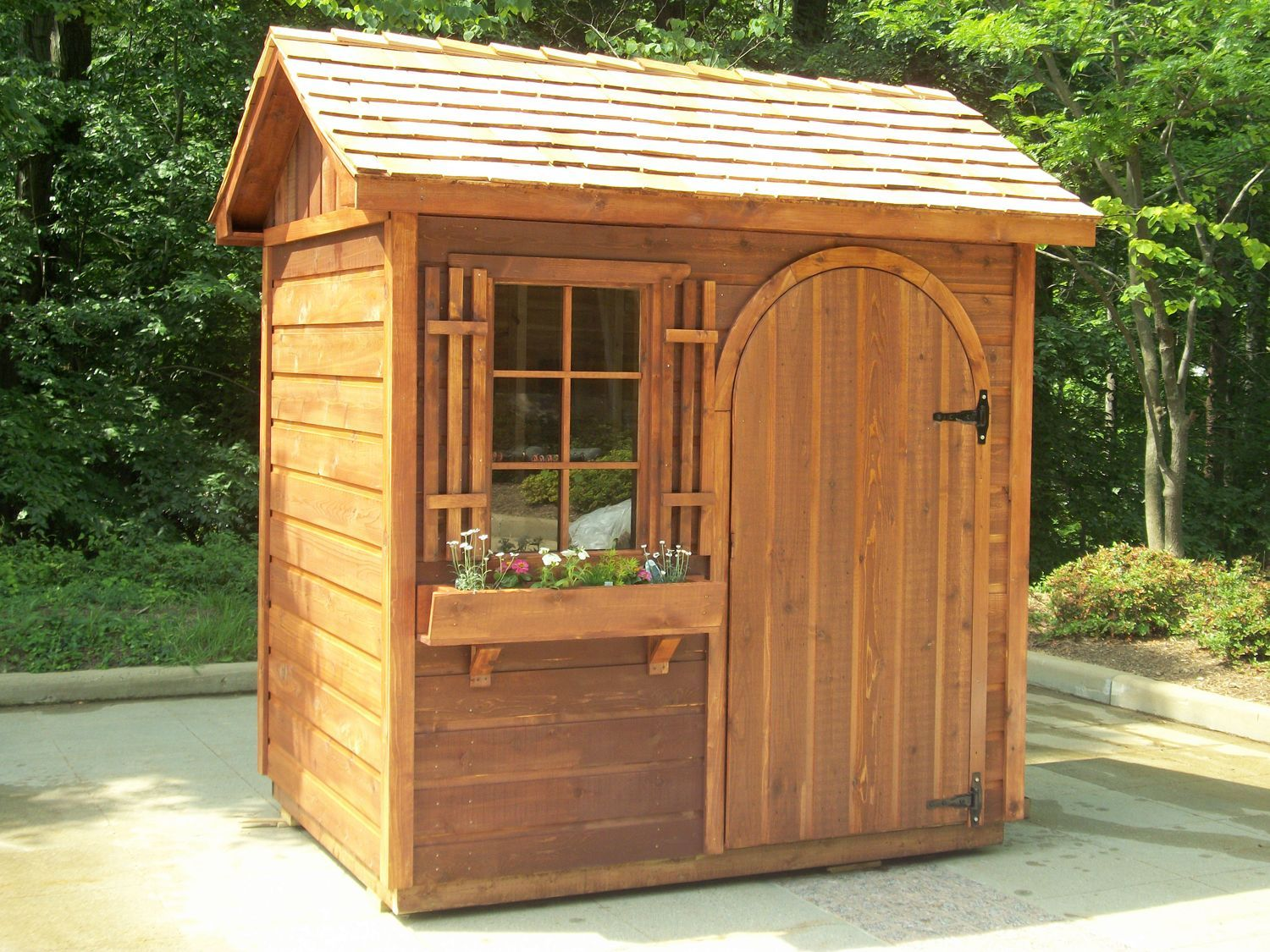 Small Garden Shed With Catchy Design For Garden | Outdoor ...