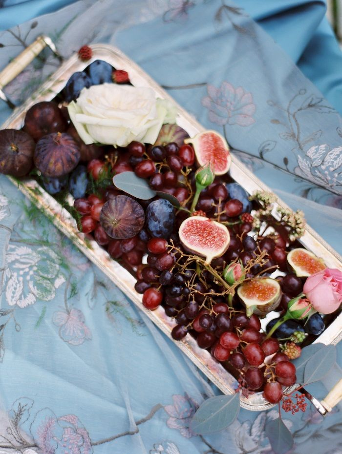 Wild fresh berries ,grapes and figs #wedding | fabmood.com