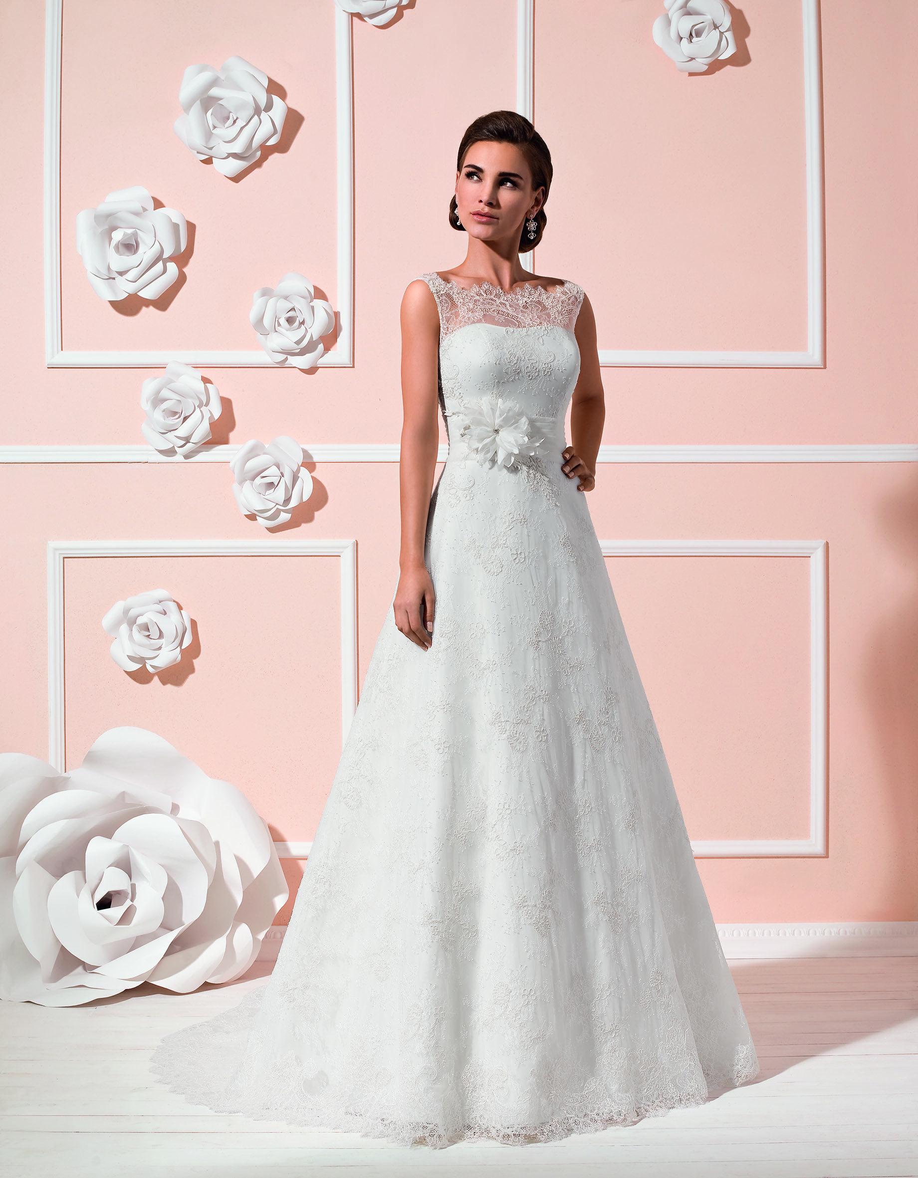 Brautkleid aus der Kollektion 2015 von Elizabeth Passion by Mode de ...
