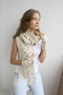 A beautiful scarf for the winter Winter Accessories in Holiday Fashion - Etsy Holidays