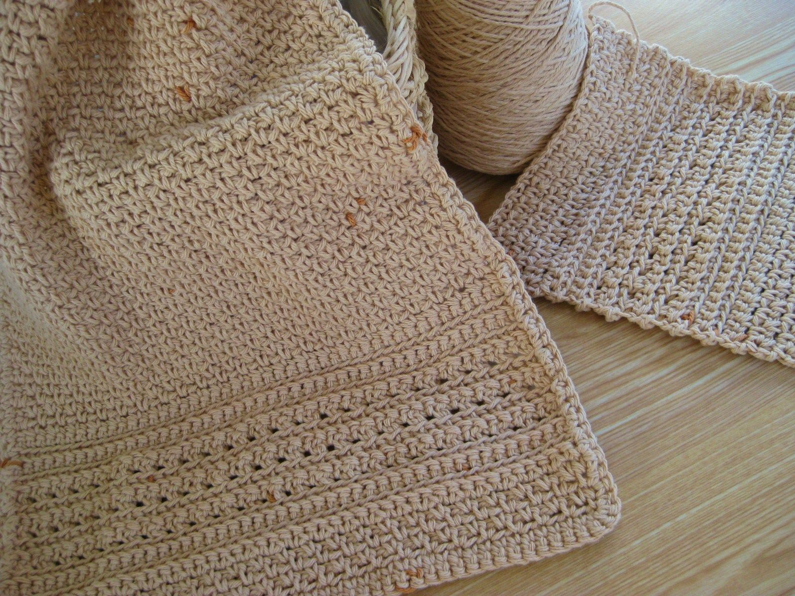 When I posted the free pattern for the Big Girl Dish Scrubby last ...