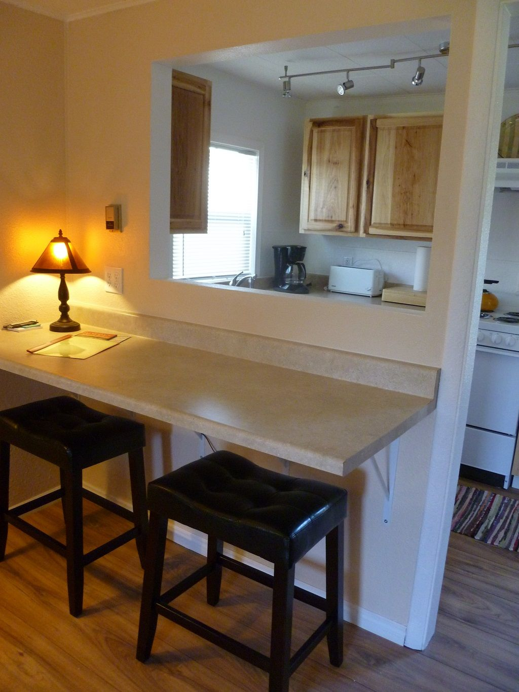 Breakfast bar this needs WAY more updating and way