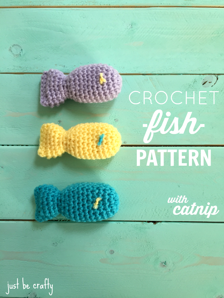 Crochet Fish Cat Toy Pattern With Catnip | Juguetes para gatos ...