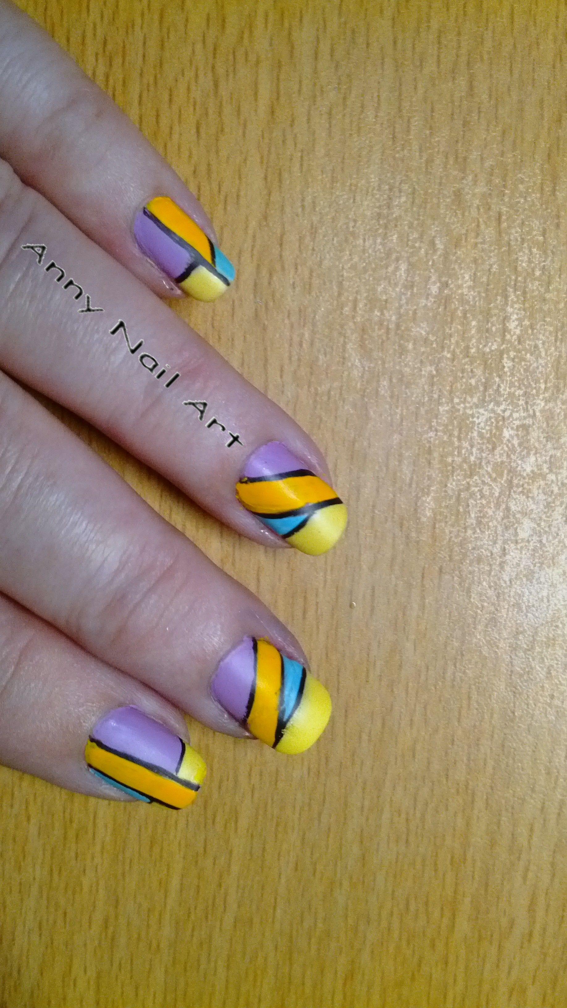 Nail art géométrique https://www.facebook.com/pages/Anny-nails-art-anny-lamande/551388051583198