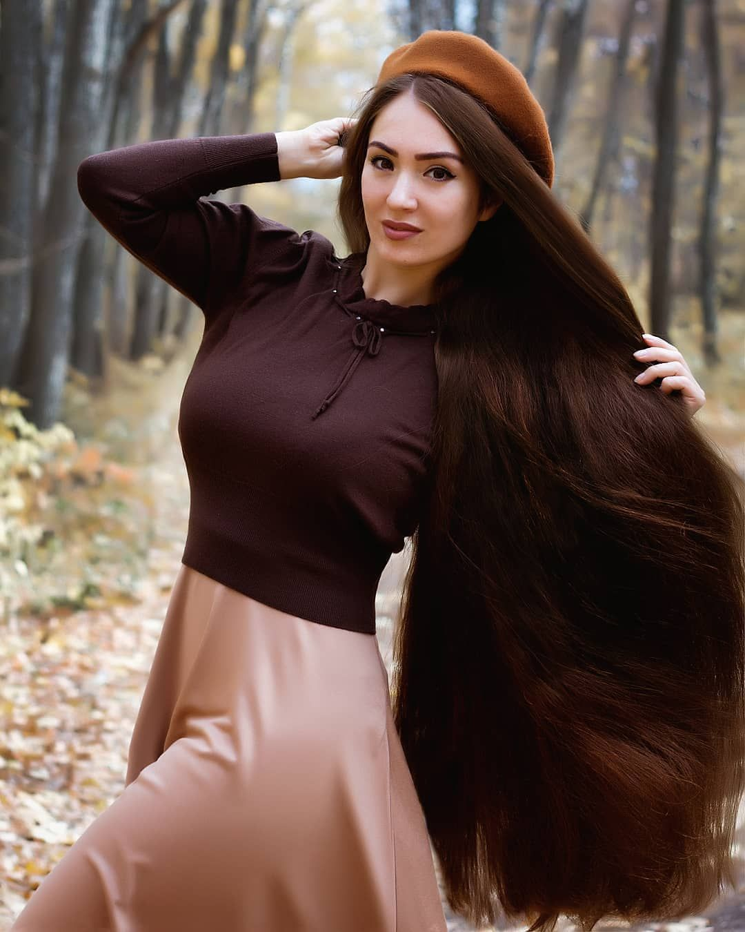 396 Kedveles 8 Hozzaszolas Long Hair Amazing Longhairamazing Instagram Hozzaszolasa Elena Of Hair In 2020 Extremely Long Hair Long Hair Women Long Thick Hair