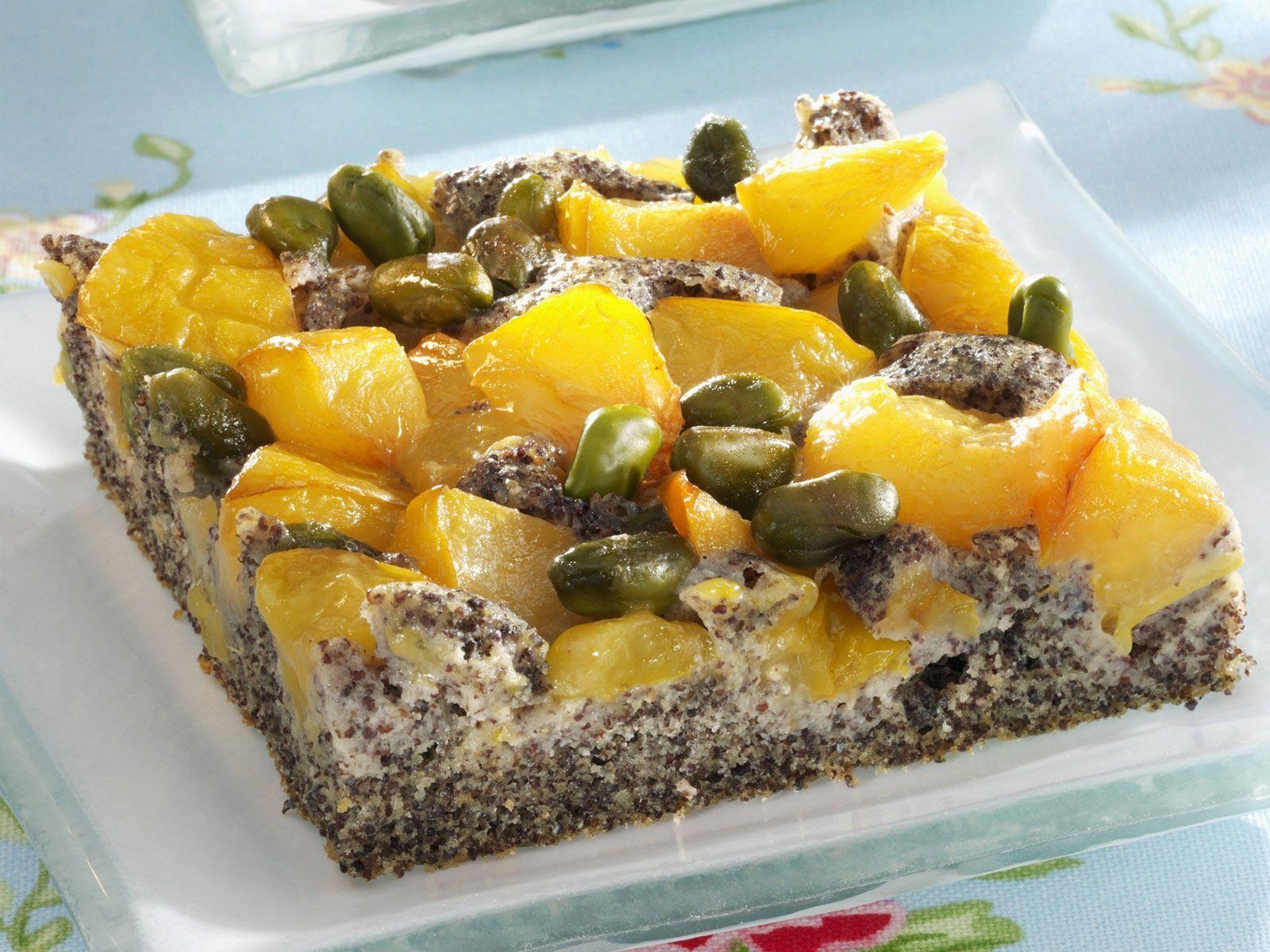Mohnkuchen mit Mirabellen und Pistazien - smarter - Zeit: 40 Min…