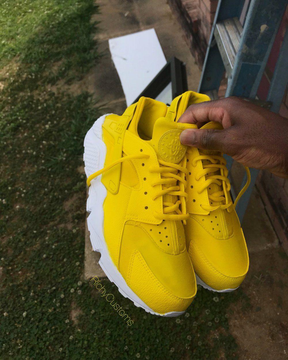 81dbb8a313a3 Sun Yellow Huaraches 💛⛅ in 2019