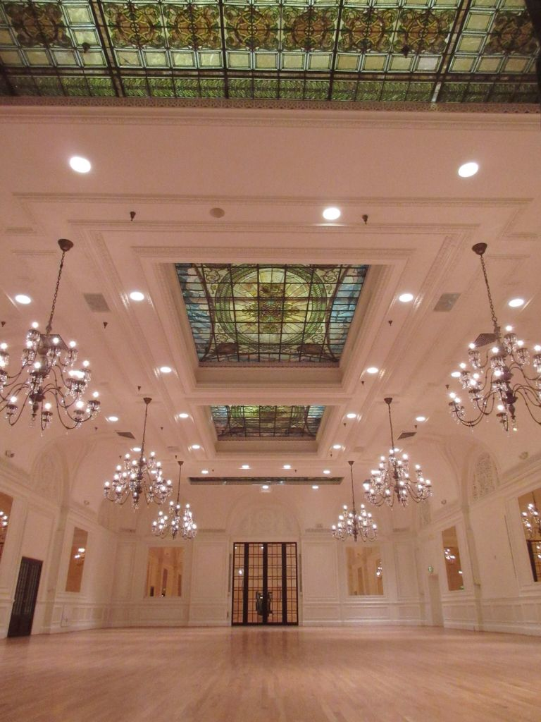Breathtaking Venue At The Alexandria Ballrooms In Downtown Los Angeles