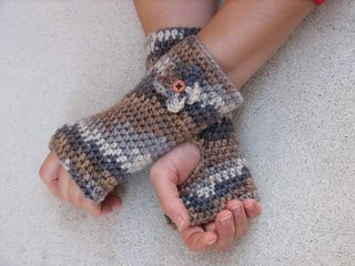 ingerless gloves are simply one of the best cold weather accessories. Your fingers are free but your hand and wrist stay comfortably warm. A lovely project for Mother, Daughter, Sister or Grandma.