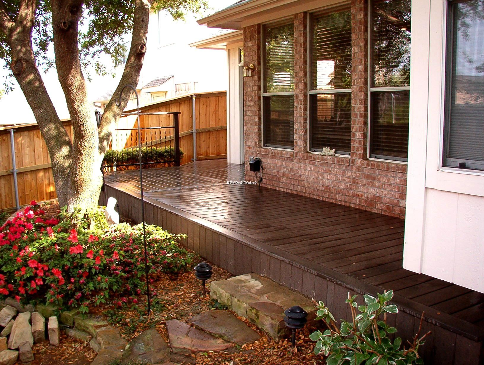 Composite decking redwood color combine expose brick wall for Composite decking colors available
