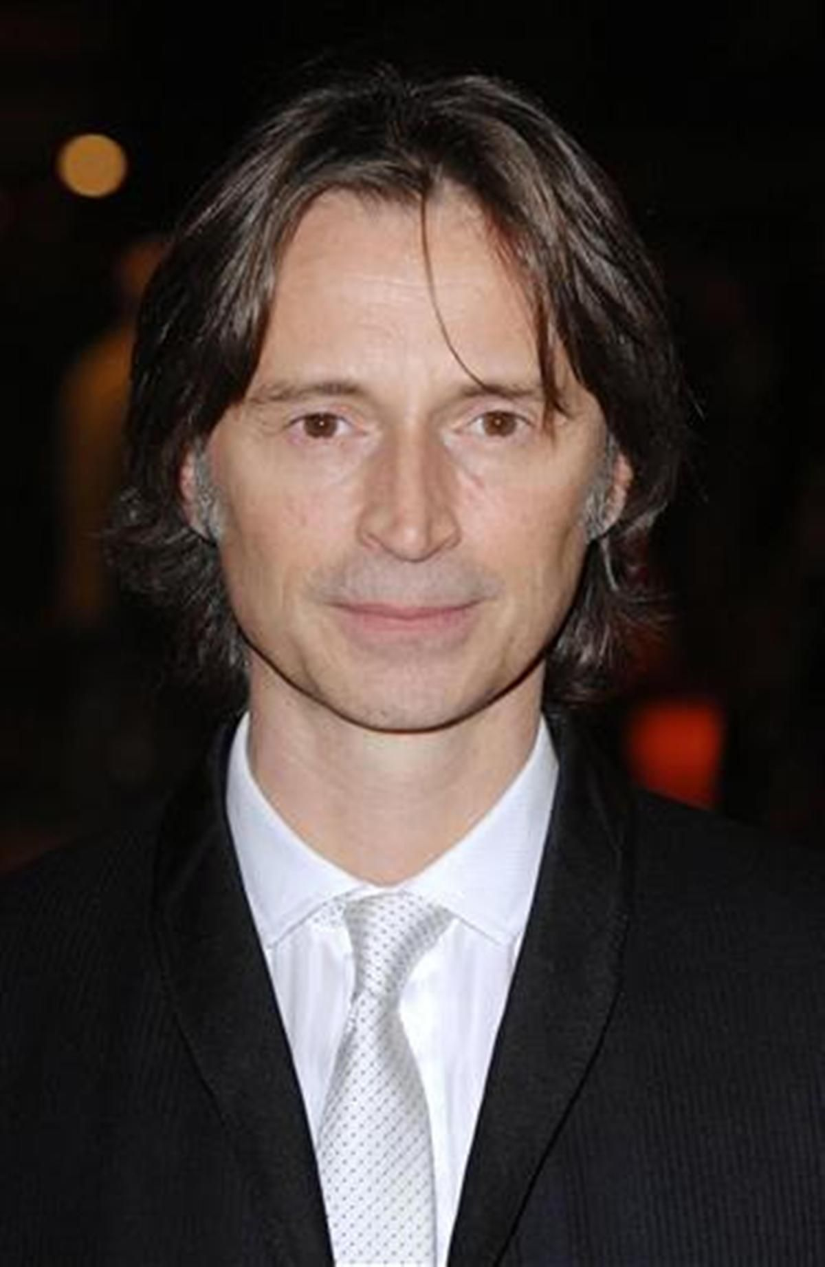 Watch Robert Carlyle (born 1961) video