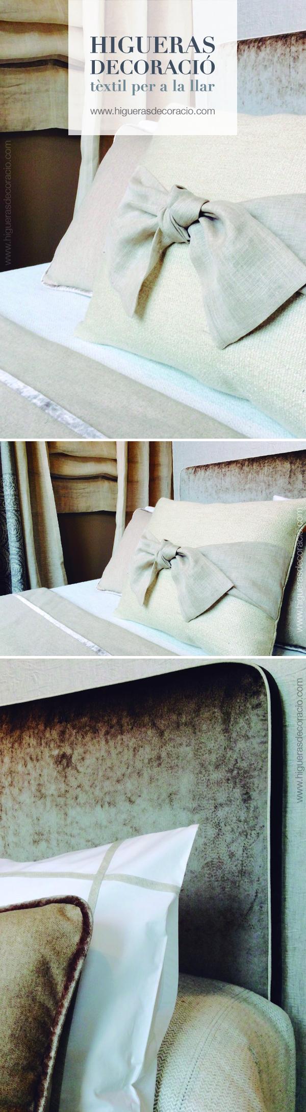 Cabecera tapizada con tela de terciopelo. Cojines de la misma gama ...