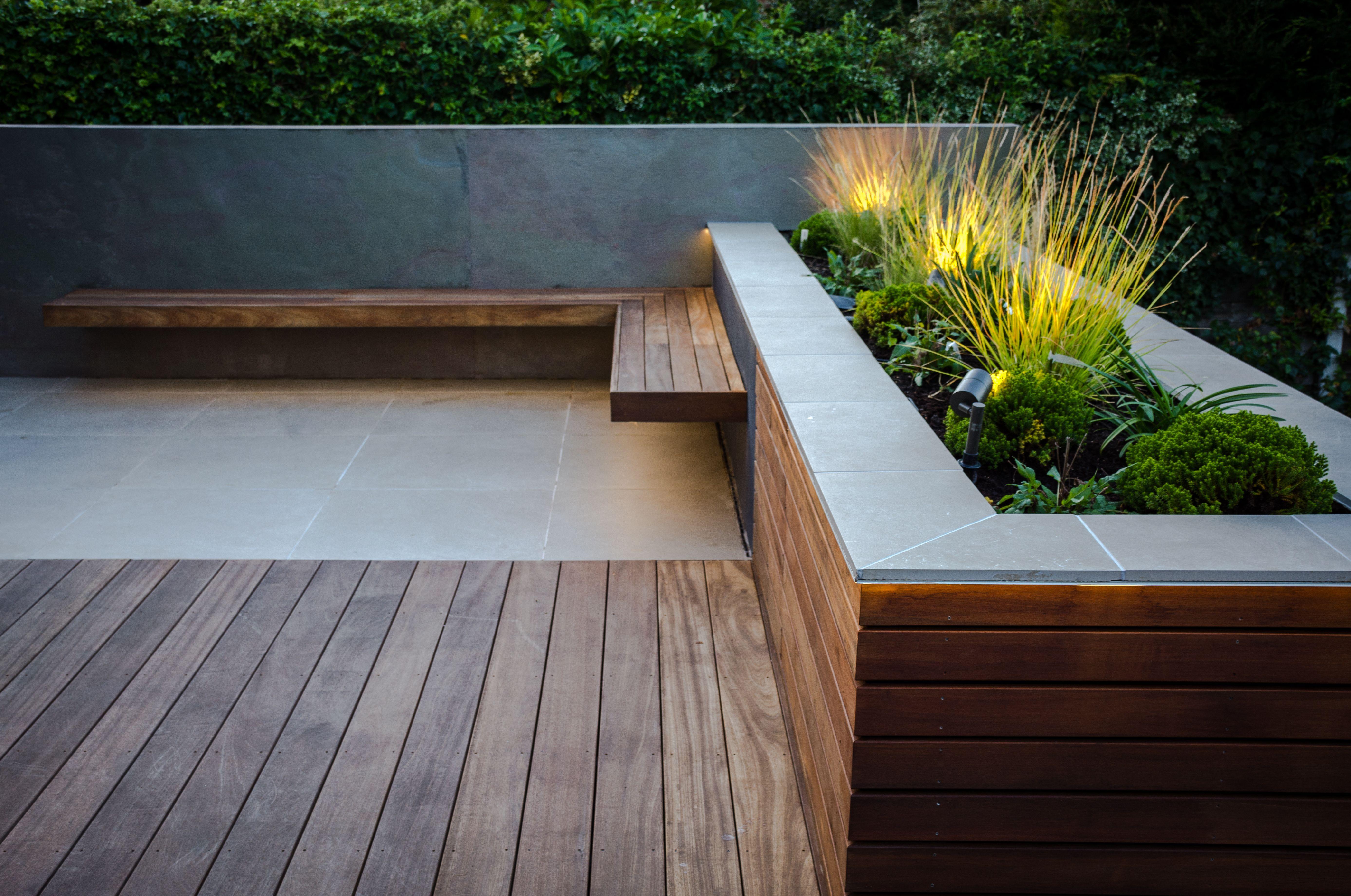 Photo of Contemporary garden design, Manchester by Robert Hughes