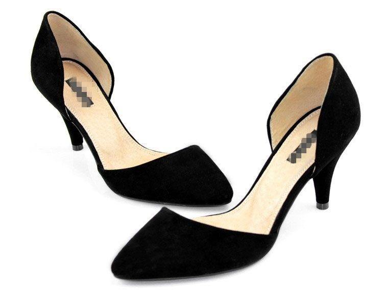 Wear Comfortable Black Kitten Heels For A Hectic Day Kitten Heel
