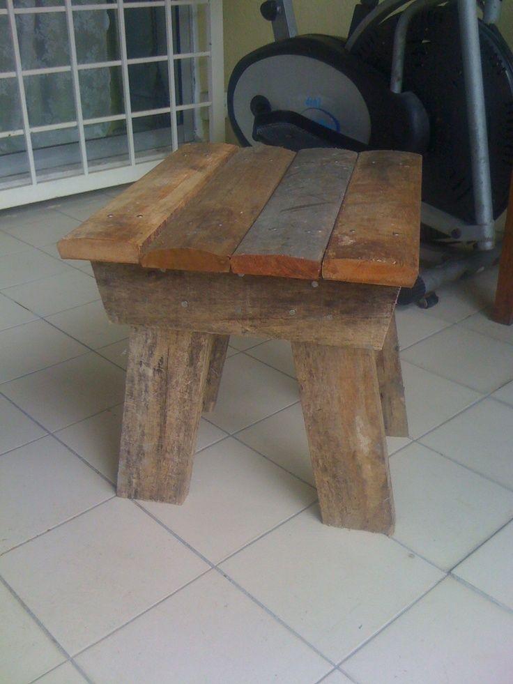 diy wood foot stool - Google Search Wood projects Pinterest - como hacer bancas de madera para jardin