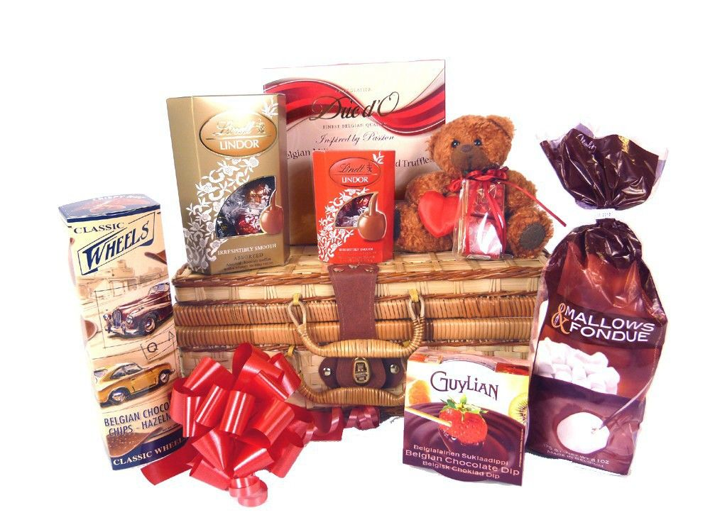 Buy Online Chocolate Hamper For Him 36 95 Valentine Hampers