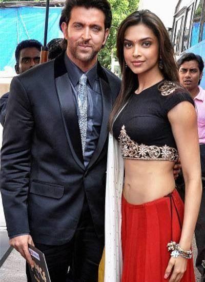 Hrithik Roshan And Deepika Padukone Bollywood Celebrities Bollywood Sarees Online Bollywood