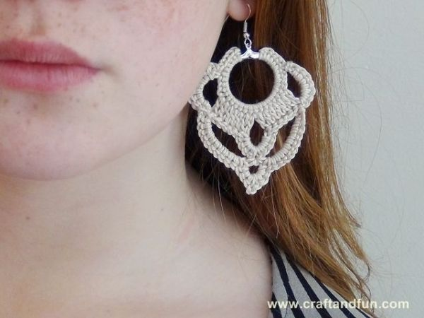 DIY Earrings crochet, free pattern by jovana.popovic.3386