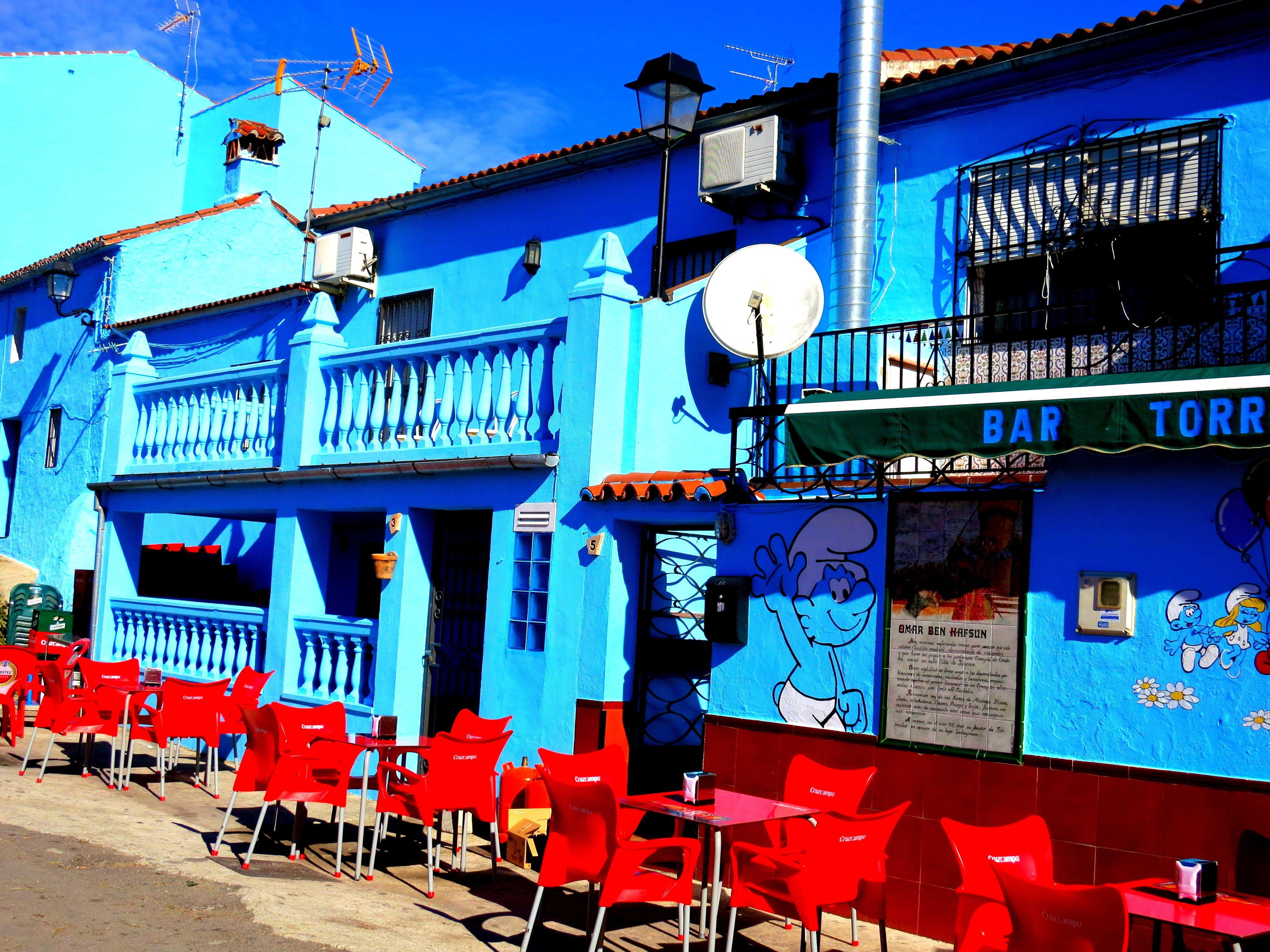 juzcar spain villes color es dans le monde pinterest andalousie dans le monde et espagne. Black Bedroom Furniture Sets. Home Design Ideas