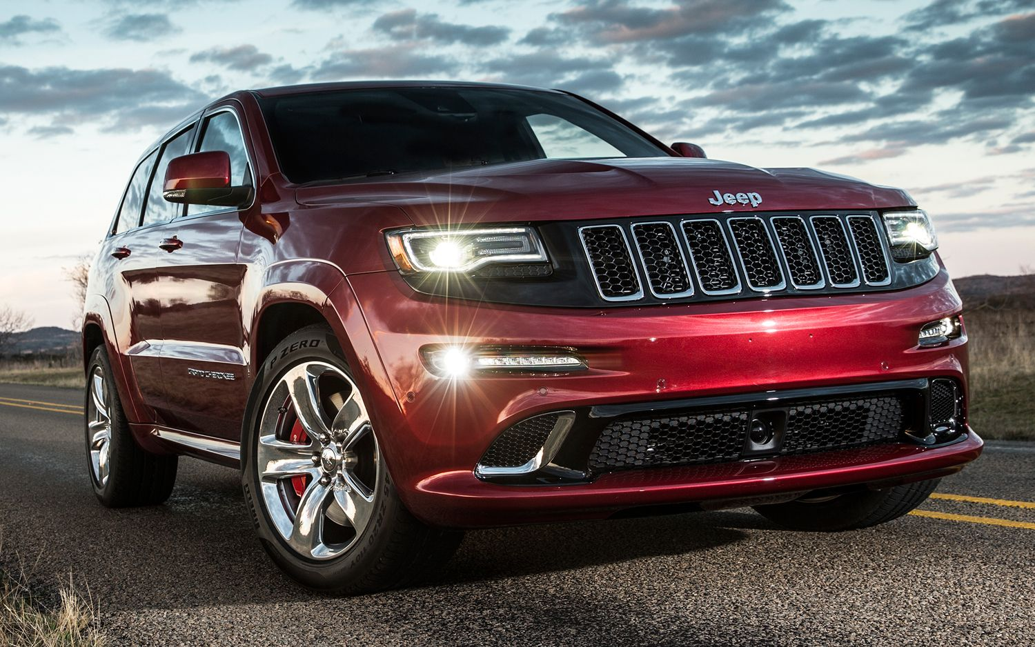 The magnificent jeep grand cherokee 2014 jeep grand cherokee is one of the most magnificent cars that you can see till now it is really an elegant car