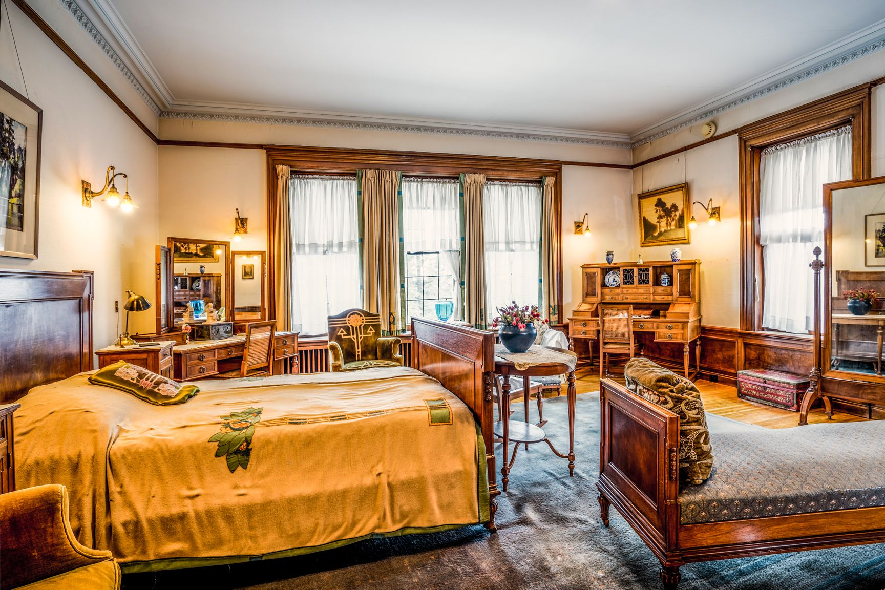 Mansion Master Bedrooms chester and clara congdon's master bedroom at glensheen mansion