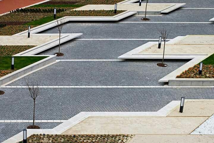 Praça em Baracaldo. Linasoro