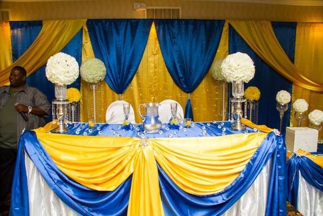Head Table For Brampton Wedding Royal Blue And Daffodil Yellow With Kissing Balls And Crys Summer Wedding Colors Wedding Themes Summer Royal Blue Wedding Theme