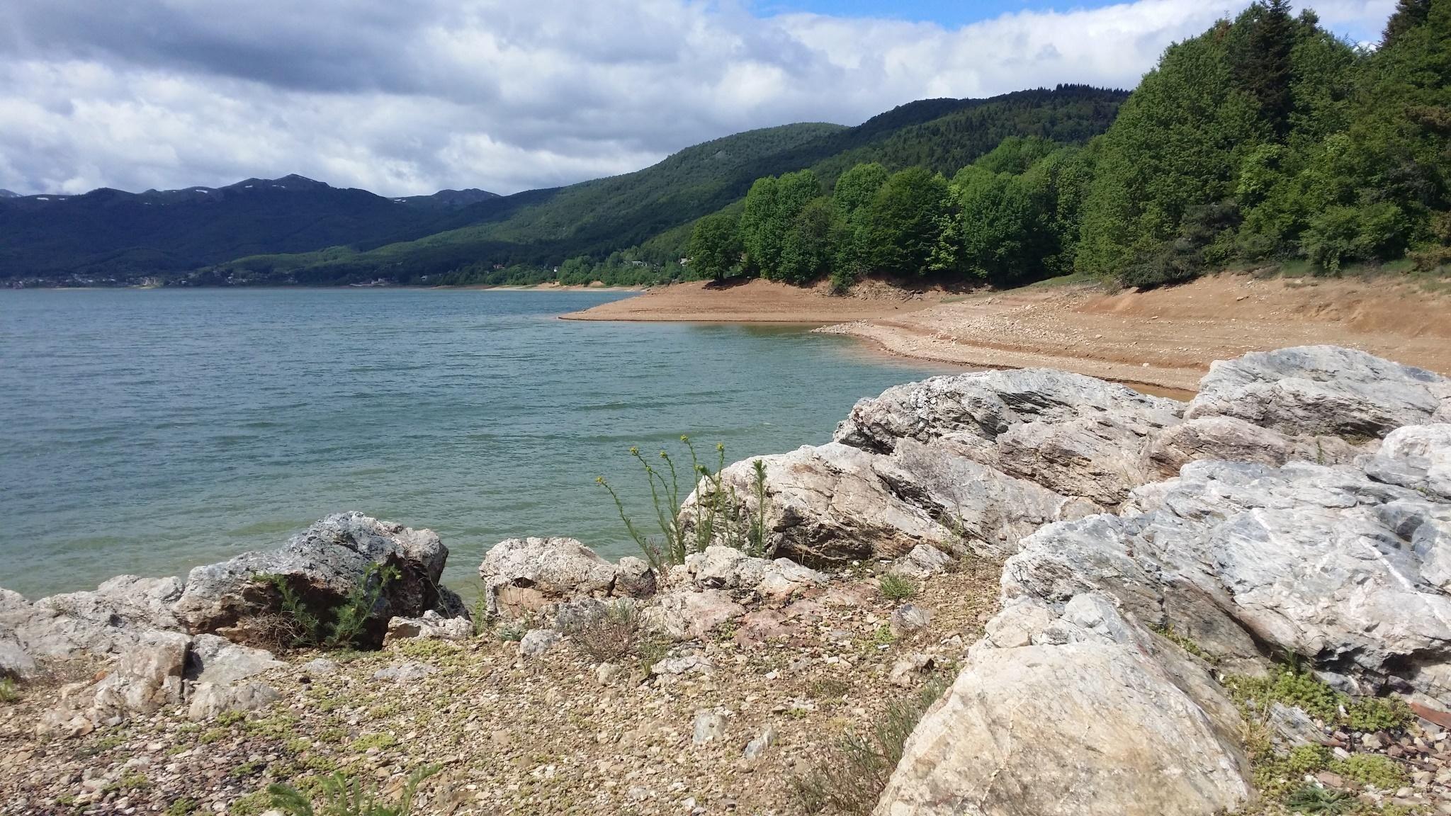 Lake Mavrovo Macedonia [OC][2048x1152] Ipad air