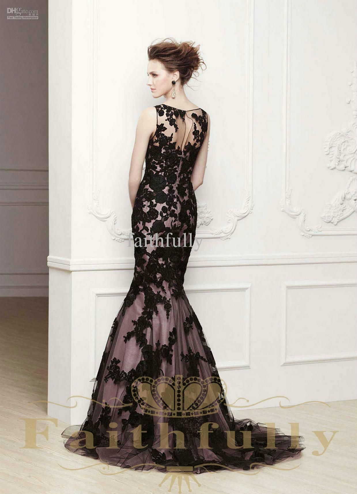 Wholesale mermaid wedding dresses bateau keyhole back black lace
