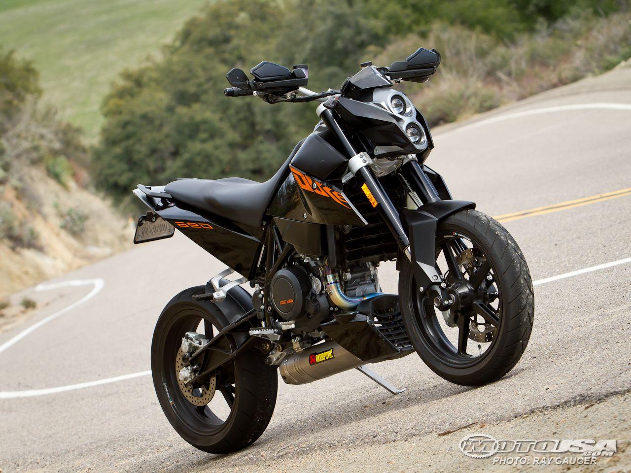 Duke 690 ABS, KTM.