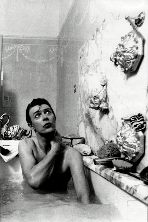 There's definitely room for two in that there Bowie-filled bath (though I would have been just one year old at the time of this bathing).
