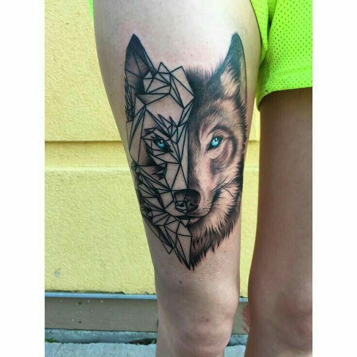 Lobo Perna Tatuagem Na Coxa Tatuagem E Jovens Tatuados