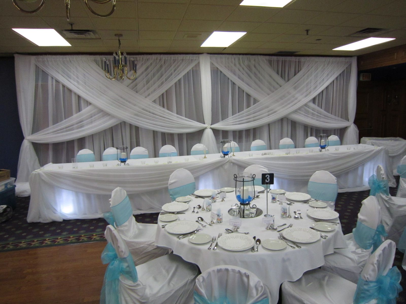 Wedding head table decorations white wedding with a touch of blue wedding head table decorations white wedding with a touch of blue junglespirit Image collections