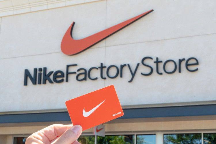 33 Insanely Smart Nike Factory Store Hacks Nike Gift Card Nike Gifts Christmas Projects Diy