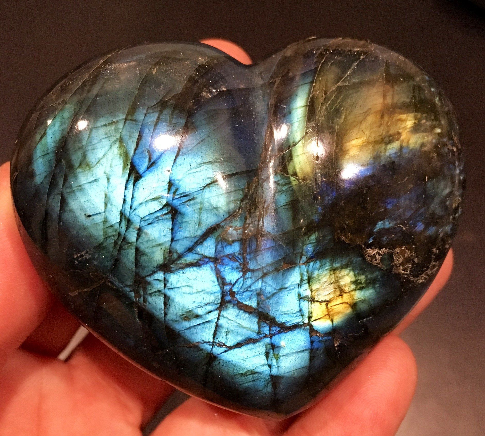 Labradorite Crystal Heartlisting Is For One 1 100 Natural Gemstone Labradorite Polished Stone Due To Th Stone Heart Stones And Crystals Labradorite Stone